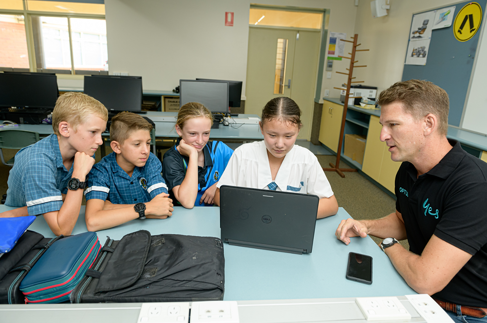 Optus brings Digital Thumbprint Program to Wide Bay in time for Safer Internet Day