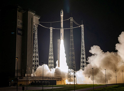 With Vega, Arianespace successfully performs the first European mission to launch multiple small sat