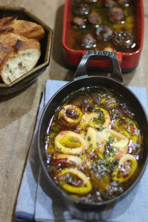 懶人烤箱食譜#3:好吃到想拍桌的Ajillo(西班牙蒜味蝦)之一