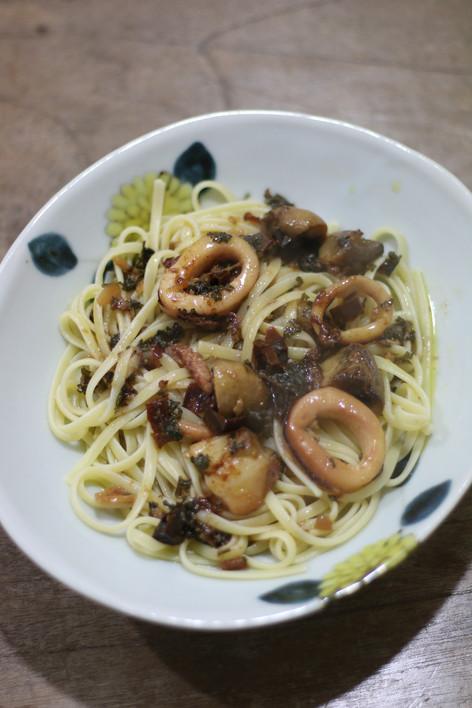 懶人烤箱食譜#3:好吃到想拍桌的Ajillo(西班牙蒜味蝦)續集,輕輕鬆鬆又是一餐