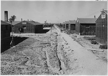 barracks minidoka photo.jpg