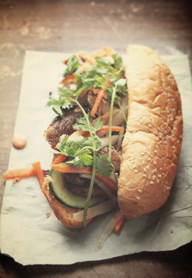 Junk-food-healthy-Banh-mi-au-poulet_edited