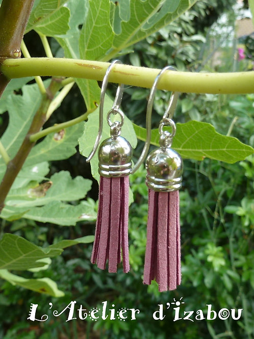 Boucles d'oreilles pompons daim rose