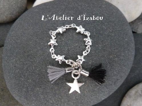 Bague chaine étoilée pompons gris et noir et breloque étoile