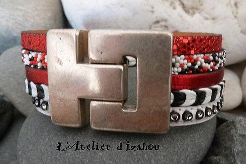 Bracelet large multirangs femme multitextures de cuirs rouge, blanc, noir