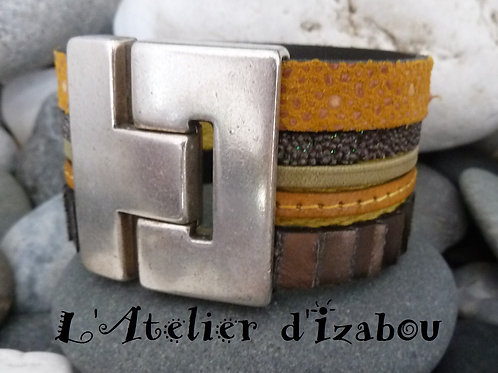 Bracelet manchette large multirangs cuirs kaki et ocre jaune