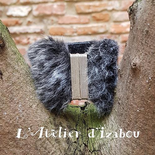 Bracelet manchette fausse fourrure gris anthracite