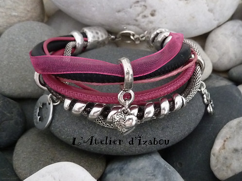 Bracelet multirangs, multimatières tons rose, noir et gris, breloques