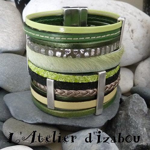 Bracelet large manchette Xtra Large multirangs 6 cm cuirs verts