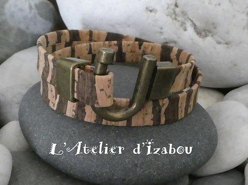 Bracelet femme original en liège double tour et fermoir fer à cheval en bronze