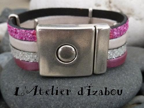 Bracelet large femme multirangs en cuir rose et blanc et textures différentes