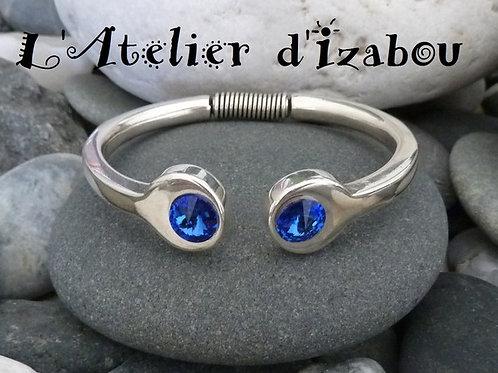 Bracelet chic femme jonc ouvert en métal argenté agrémenté de strass swarovski