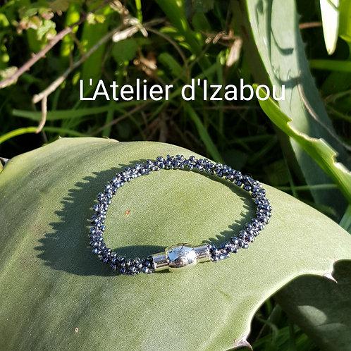 Bracelet perles anthracite fin et léger