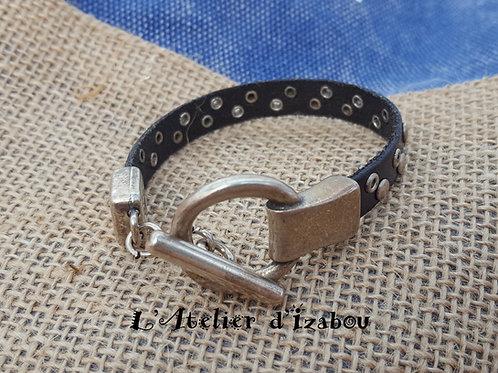 Bracelet mixte homme-femme en cuir noir clous et rivet et fermoir toggle rond