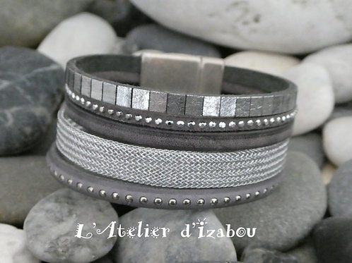 Bracelet manchette femme mutirangs et multitextures tons argenté et gris