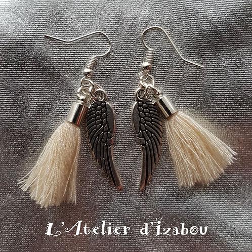 Boucles d'oreilles longues pendantes ailes et pompons