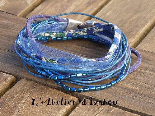 Bracelet multirangs, multimatières tons bleu marine
