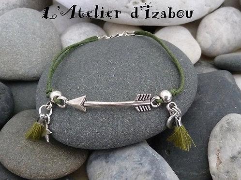 Bracelet flèche bordé de pompons en coton ciré vert-kaki