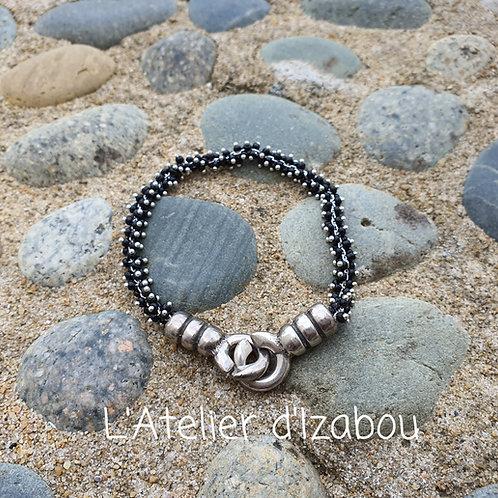Bracelet chaîne perlée noire