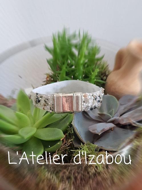 Bracelet pierres, strass, perles et mini billes
