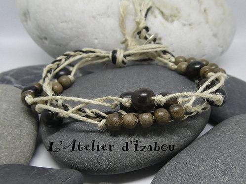 Bracelet homme artisanal bio et écolo en fil de chanvre et perles en bois noir