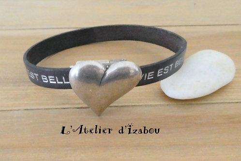 """Bracelet Saint Valentin cuir gravé """"La vie est belle"""" fermoir coeur assymétrique"""