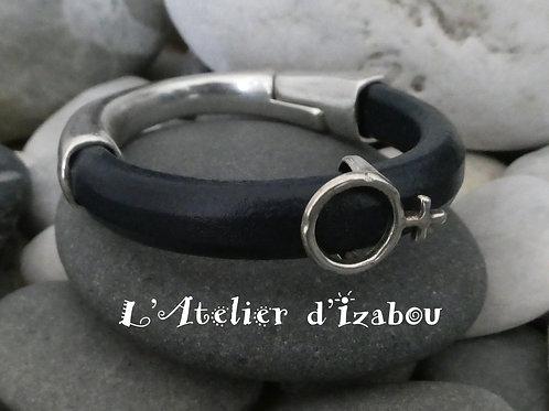 Bracelet feminin demi-jonc marine fermeture aimanté cuir régaliz, passant femme
