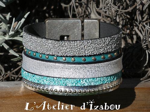 Bracelet manchette artisanal femme multirangs cuirs bleus et gris