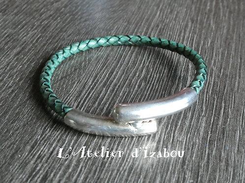 Bracelet fantaisie en cuir tressé bleu-vert et fermoir long