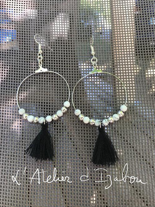 Boucles d'oreilles pendantes anneaux, perles et pompons