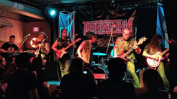 Transylvania band Heavy Heads Records Re