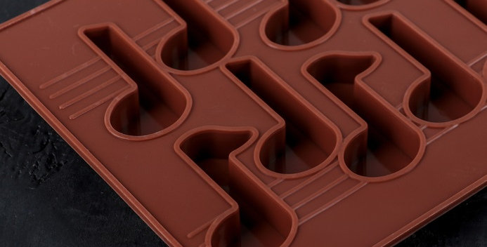 "Форма для шоколада ""Ноты"", 15 ячеек, цвет шоколадный"