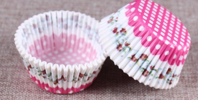 Капсулы бумажные для кексов цветочные(бело-розовые)