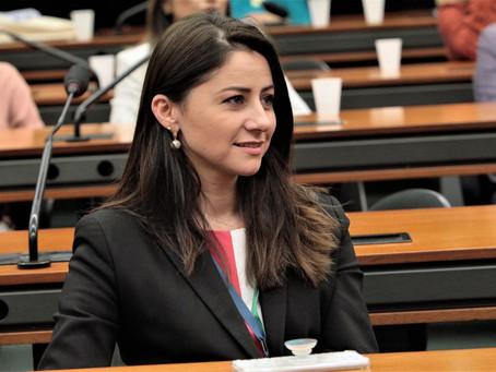 Deputada marca presença em encontro da Secretaria da Mulher na Câmara