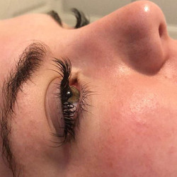 Long curly Lashes 💛💛💛💛#beautyblog #m