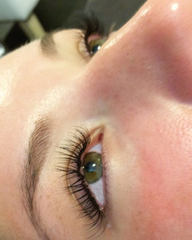 Gorgeous lashes by sandy💛 #minkbombshel