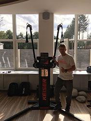Roman Svantner a Keiser Functioal Trainer