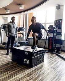 Andrej Sekera a Keiser Functioal Trainer