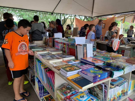 Feira do Livro leva três dias de arte e cultura em Minas do Leão