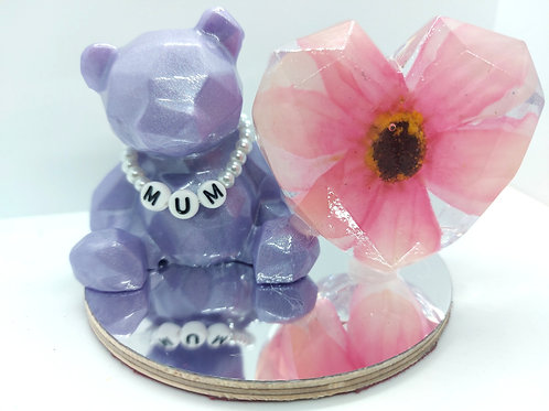 """MUM"" Teddy and Flower Heart Ornament"