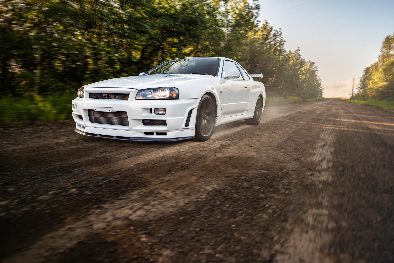 WHITE R34 SKYLINE GTR
