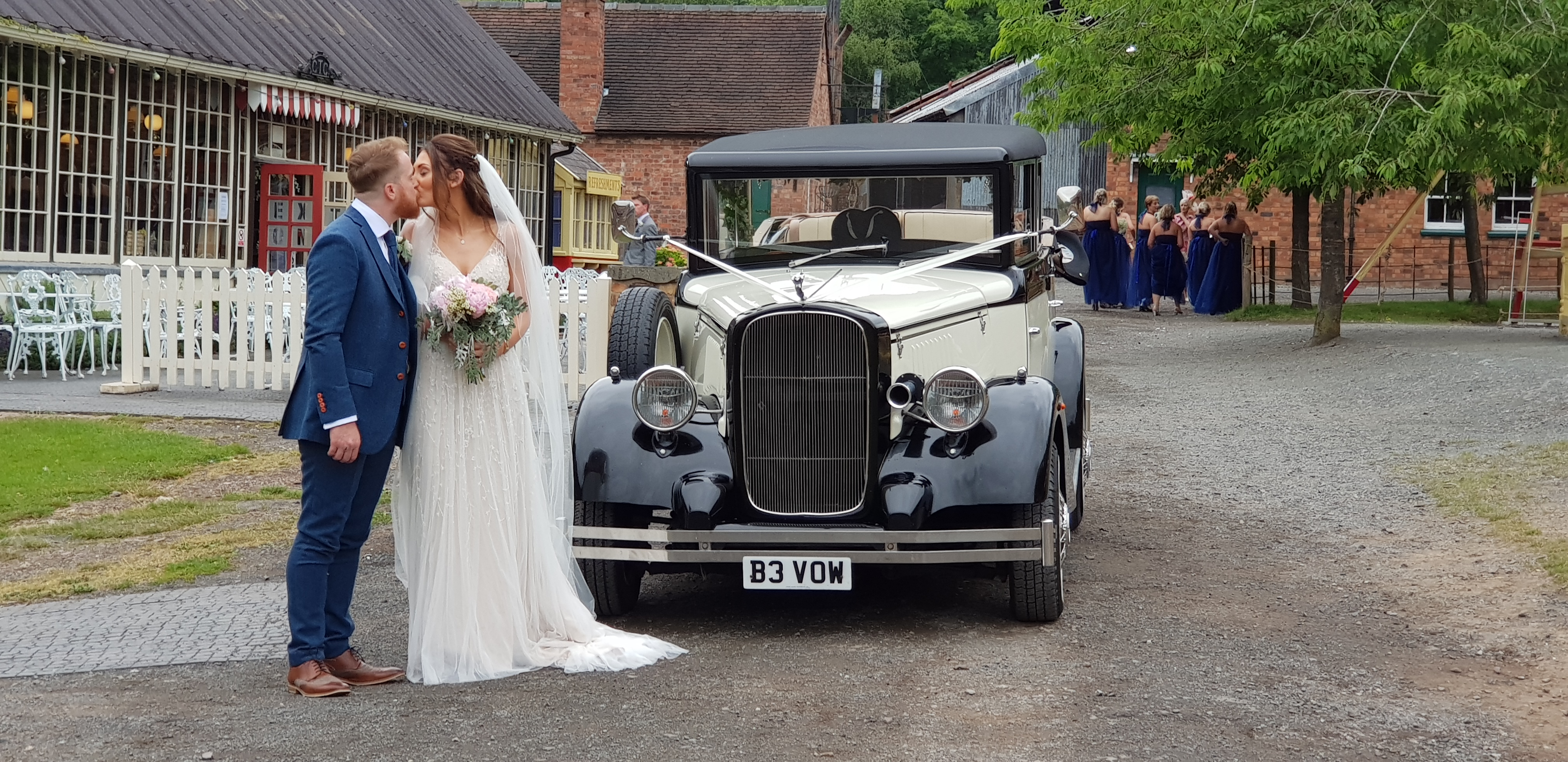 Wedding car hire ironbridge.