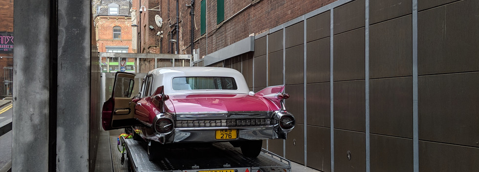 Caddy Waiting for photoshoot at leeds