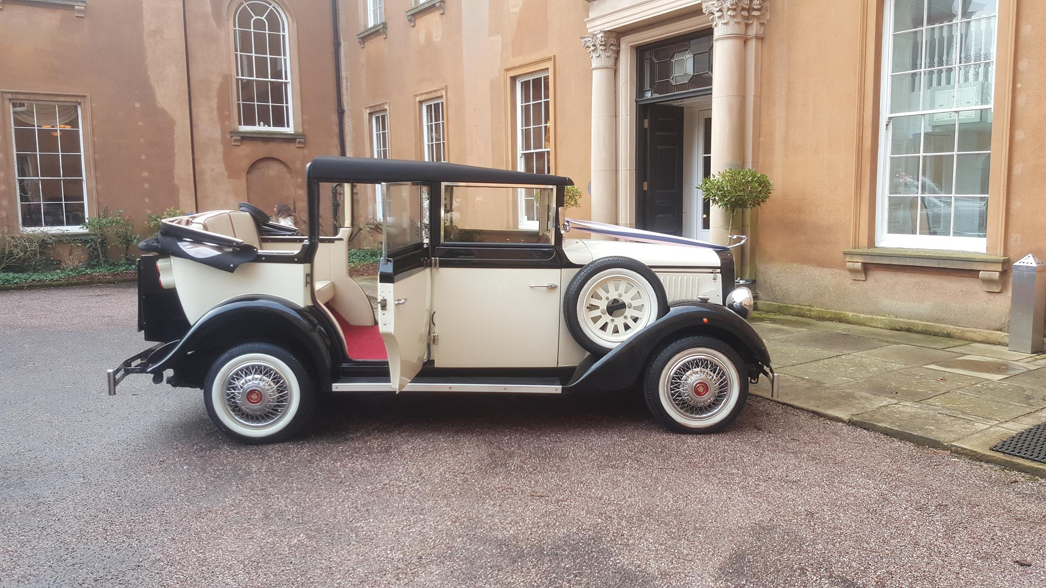 Dudley wedding car hire service