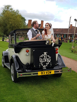 Hire this wedding car now at 2xl