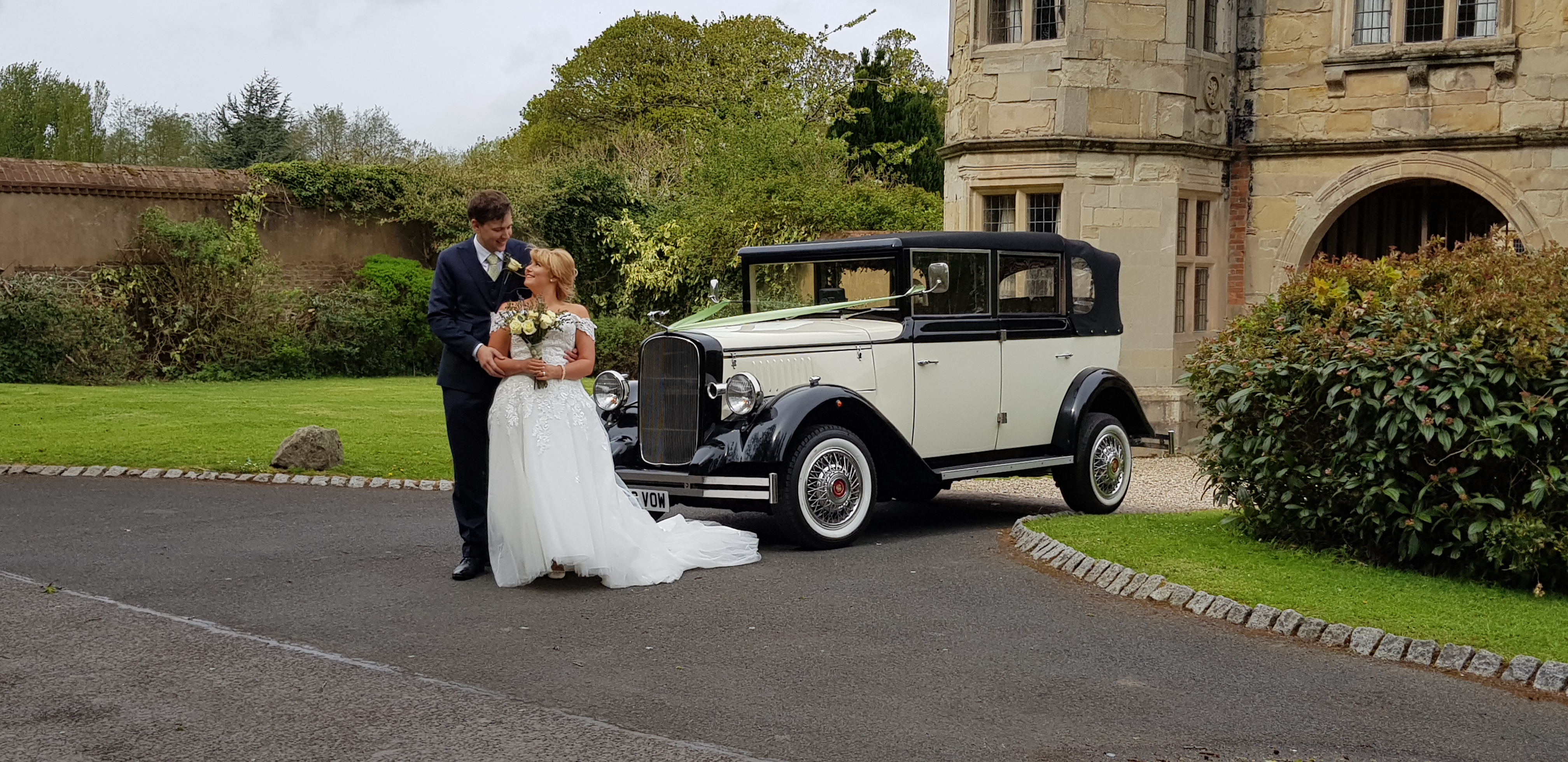 Vintage wedding car hire shropshire