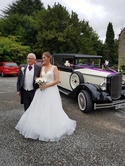 5 seater vintage wedding car