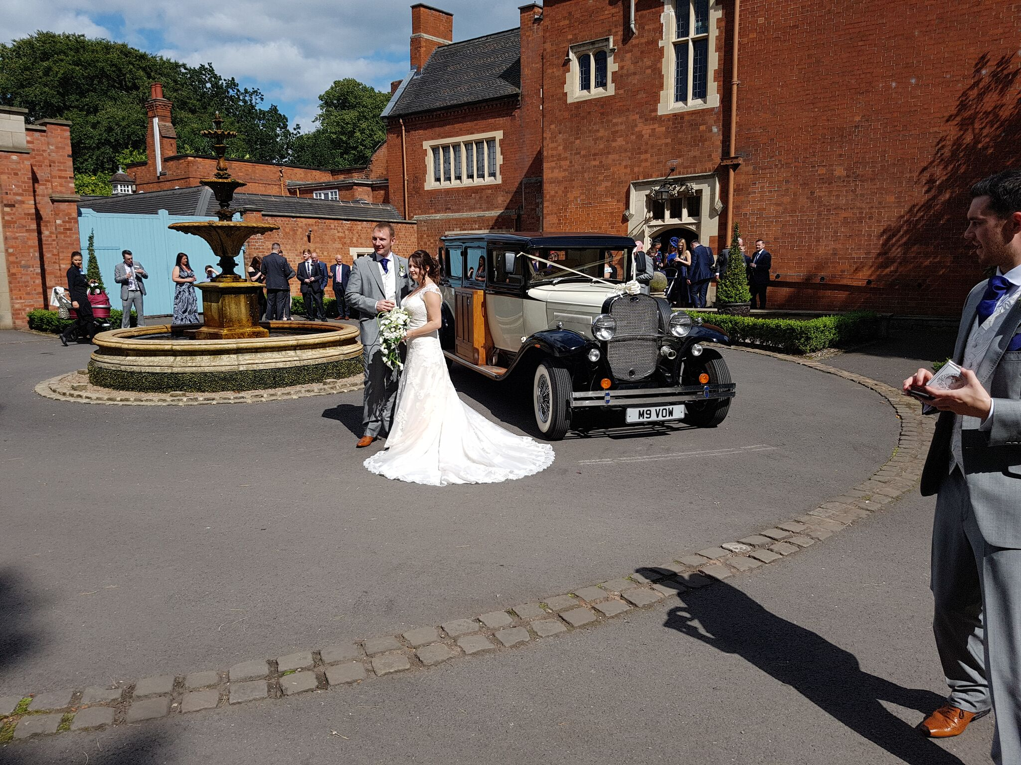 Madley wedding car hire.