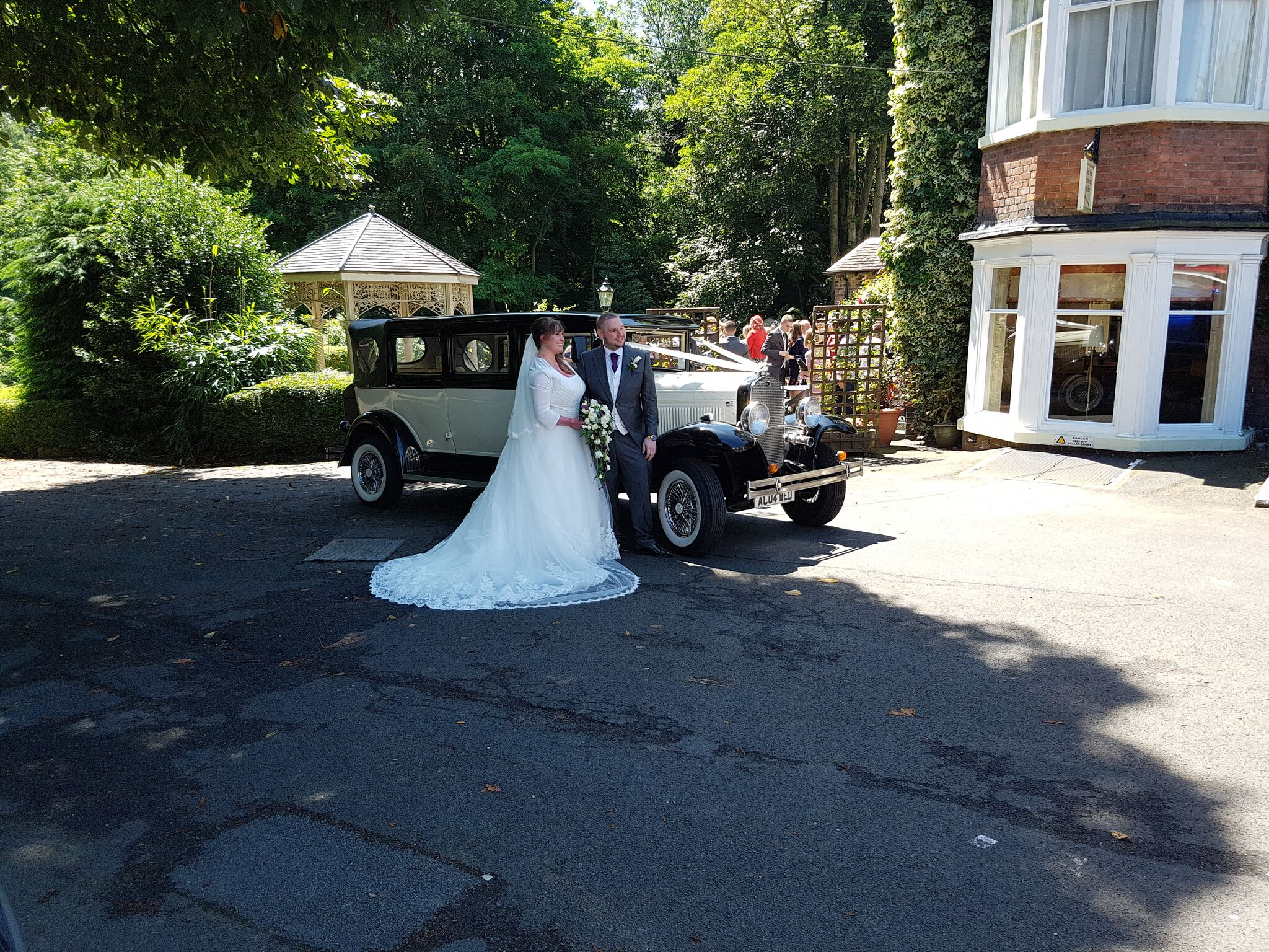 Stunning wedding car service