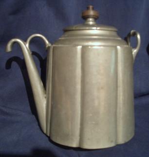 Teapot%20pewter_edited.jpg